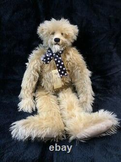 Rare One of a Kind 1993 Cindy Martin Soft Sam Bear. 29 inch in excellent conditi