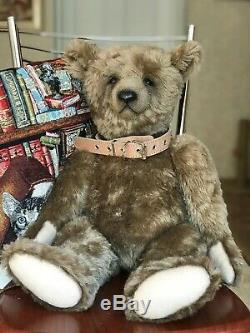 Very big bear in classical style