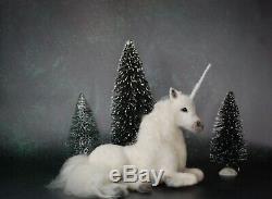 Aiguille Felted Couché Blanc Licorne Cheval Fantaisie Mythique Sculpture Art Laine