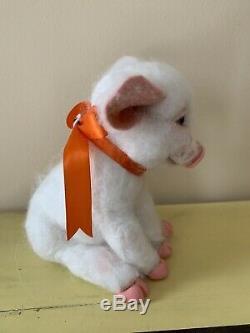 Aiguille Felted Piggy Pig Porcelet Casper Par Robin Andreae