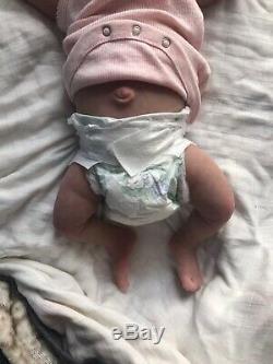 Artiste Peint Silicone De Haute Qualité Pour Bébé Avec Le Corps En Tissu