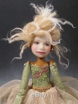 Artiste Poupée Cheveux Blonds Princesse Couronne Rouge / Chaussures En Or Ooak
