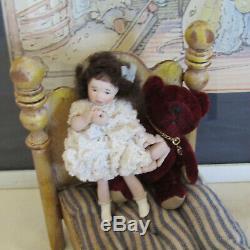 Dollhouse Artisan Porcelaine Pleure Girl Doll Petit Enfant Fait À La Main Artiste Made