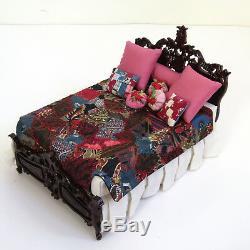 Dollhouse Bespaq Lit Carved Artisan Crazy Quilt Vtg Main Artiste Made Couverture