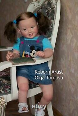 Fille Réaliste Cammi Par Ping Lau, Artiste Olga Torgova