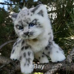 Main Réaliste Cub Snow Leopard / Chat / Chaton En Peluche Ooak (27cm)