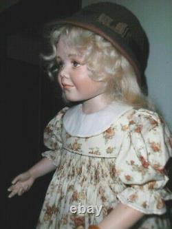 Margaret Mousa Porcelain Award Award Artiste Doll Nicoletta