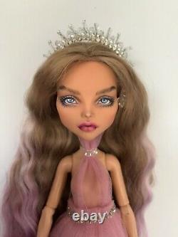 Ooak Cleo De Nil Custom Repaint Monster High Doll Par Artiste International