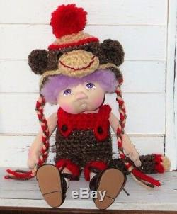 Paty Ollaif Douce Sculpture Une D'un Monkey Doll Genre Artiste