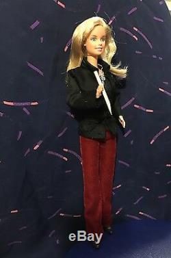 Poupée Barbie Ooak Comme Buffy Contre Les Vampires Sur Mesure À La Main Par L'artiste Collector