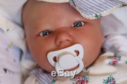 Réaliste Toddler Doll Reborn 7lbs Realborn Bébé Hiver 3 Onces Par Marie Artiste 9yrs