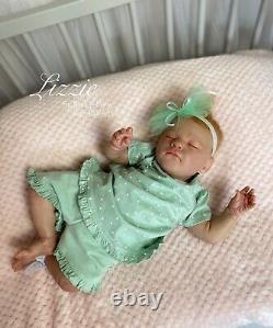 Reborn Baby Girl Lizzie, (realborn Elizabeth With Coa) De L'artiste Britannique Sara Jeffery