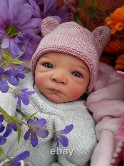 Reborn Baby Milaine Par Evelina Wusnjuk Peint Par L'artiste Michelle Crawford